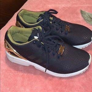 Women's adidas torsion black shoe size 6